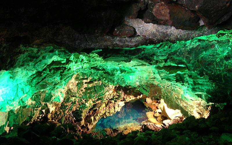 Atlantis tunnel